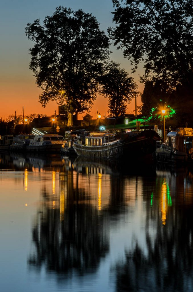 Sunset over the moorings in Capestang